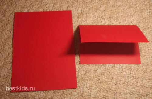 Вырезаем и сгибаем лист картона